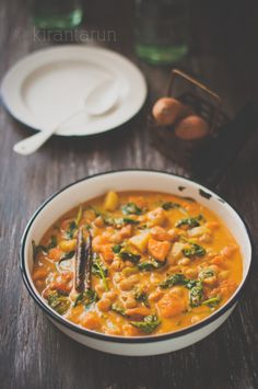 Sweet Potato, Chickpeas & Spinach Curry — kiran+tarun [ R e c i p e b ♥ x ] Love this recipe! Curry Recipes, Veggie Recipes, Indian Food Recipes, Asian Recipes, Soup Recipes, Whole Food Recipes, Vegetarian Recipes, Cooking Recipes, Healthy Recipes