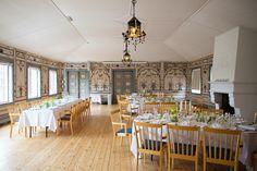 Festsalen selskapslokale er et vakkert rom på Gjestestuene hvor det ofte arrangeres middager og fester av alle slag. Ta kontakt for hyggelig samarbeid. Oslo.