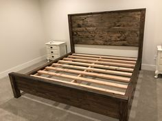 Female children's room: 65 inspirations and decoration projects - Home Fashion Trend Wooden Bed Frame Diy, Rustic Wood Bed Frame, Diy King Bed Frame, Ana White Beds, Homemade Beds, Homemade Bed Frames, Cama King, Bunk Bed Plans, Rustic Bedding
