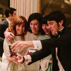 Xiquetes selfie  #cakewedding #wedding #friendswillbefriends #iloveyou #bodakikoyagnes #cristina #rosa #kiko #selfie #cazadorcazado by agnesdeer