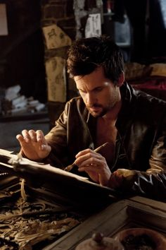 Tom Riley as Leonardo Da Vinci