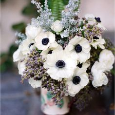 Beautiful white poppy bouquet.