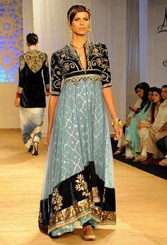 Anju Modi during Delhi Couture Week 2011 Anarkali, Lehenga, Pakistani Outfits, Indian Outfits, Pakistani Kurta, Pakistani Couture, Ethnic Fashion, Asian Fashion, Image Fashion