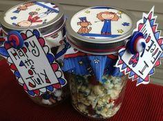 July 4th mason jar craft and gift idea. I'd love to receive one! Fun! #LauraKellyArtUSA #CraftPatriotic