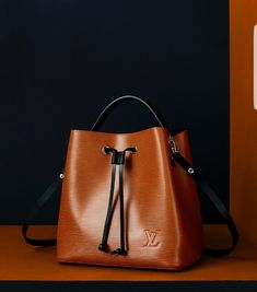 Louis Vuitton caramel noenoe bucket bag