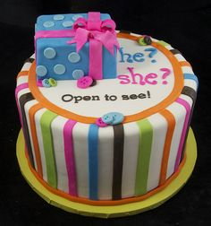 """Previous pinner I like their idea: """"Baby Gender Reveal Cake! This is definitely my plan at my baby shower, I want my husband to include in the card the gender and at the shower I'll cut into the cake and be surprised! Gender Party, Baby Gender Reveal Party, Fancy Cakes, Cute Cakes, Shower Bebe, Reveal Parties, Creative Cakes, Baby Shower Cakes, Let Them Eat Cake"""