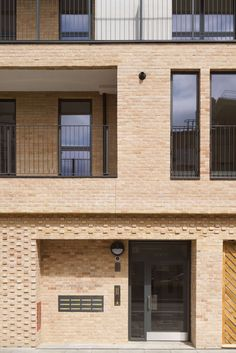 Elmwood court is a 5 storey, 22 unit affordable housing scheme for Peabody in Battersea, London. The building is situated on an open, underutilised car park ...