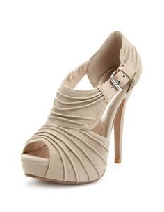 Nude Heels love it Nude Heels, High Heels, Shoes Heels, Prom Shoes, Wedding Shoes, Pumps, Cute Shoes, Me Too Shoes, Fab Shoes