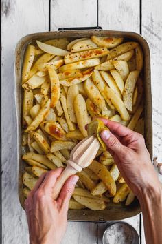 A recipe for homemade lemon Greek style roasted potatoes. This recipe will help you rmake estaurant qualtiy of traditional roasted Greek potatoes Side Dish Recipes, Veggie Recipes, Lunch Recipes, Vegetarian Recipes, Cooking Recipes, Healthy Recipes, Potato Recipes, Greek Roasted Potatoes, Greek Lemon Potatoes