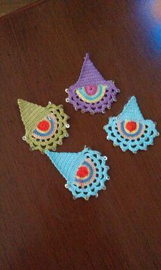 Efe oyaları Art Au Crochet, Cute Crochet, Knit Crochet, Crochet Accessories, Women Accessories, Crochet Mignon, Scarf Jewelry, Lace Making, Butterfly Wings