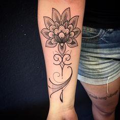 """@tattooyoubrasil AV DR CARDOSO DE MELO, 320 ☎️ 11 3044-0442 torra@tattooyou.com.br watsapp 11 94526-0124 #lotus #inspirationtatto #supportgoodtattooers…"""