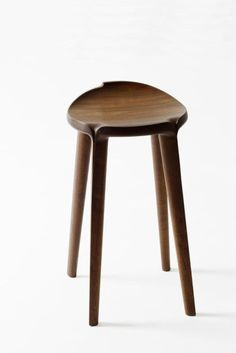 size 310 310 420 material walnut, oil, shellac, varnish finish 곡선가구 Stools