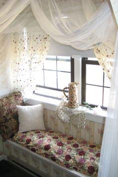 I love cozy window seats :)