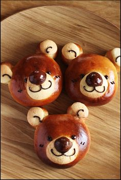 Bear buns Cute Food, Yummy Food, Japanese Bread, Bread Shaping, Bread Art, Creative Food Art, Cooking Bread, Bread And Pastries, Food Decoration