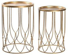 Mix in metallics. Metallic decor radiates light and holiday cheer. Switch out a few small pieces with silver or gold accents to add sparkle and glamour. Place a gilded drink table next to your favorite chair or put a gold-toned table lamp in place of your current one in the living room. Stack small silver boxes on the mantel or on the coffee table for extra shine.