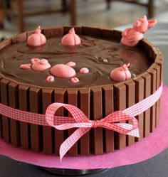 Birthday cake Mud bath for pigs - Cupcakes, Cupcake Cakes, Cake Icing Tips, Chocolate Easter Cake, Digger Cake, Easter Deserts, Gravity Cake, Masterchef, Number Cakes