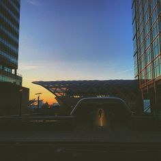 #thisislondon #urban #sunset #canarywarf #TrueBlondTravels