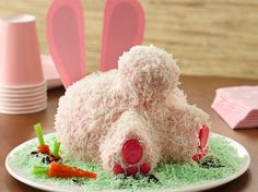Super easy Bunny Butt Cake!  Hop to it and make this sweet and silly bunny butt cake for your spring party.bLearn to make this recipe with our a href=http://www.bettycrocker.com/Menus-Holidays-Parties/All-Holidays/Easter/Bunny-Butt-Cake-Directionshow-to/a./b