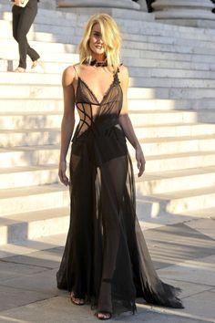 daily rosie huntington-whiteley...Rosie at Versace Paris Fashion Week FW 2015-2016