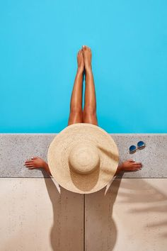Techo-Bloc on Behance Source by photography Beach Photography Poses, Beach Poses, Summer Photography, Creative Photography, Pool Poses, Levitation Photography, Exposure Photography, Summer Pictures, Beach Pictures