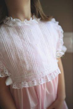 The Yardley Heirloom Dress / Elizabeth Layne Heirloom Girls Smocked Dresses, Toddler Girl Dresses, Dress Tutorials, Sewing Tutorials, Sewing Tips, Sewing Ideas, Sewing Projects, Girl Dress Patterns, Coat Patterns