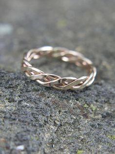 http://www.vanasjewelry.com/product-category/rings/