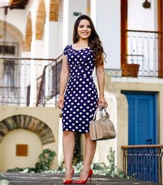 Swans Style is the top online fashion store for women. Shop sexy club dresses, jeans, shoes, bodysuits, skirts and more. Modest Summer Outfits, Simple Fall Outfits, Classy Work Outfits, Fall Fashion Outfits, Simple Dresses, Modest Fashion, Women's Fashion Dresses, Skirt Fashion, Beautiful Dresses