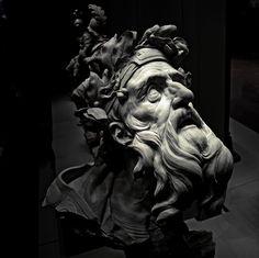 """""""Ecoute ma prière, dieu à l'arc d'argent""""........   <b>""""Chrysès""""</b> - Terre cuite de Michel-Ange Slodtz (18ème siècle) (Musée du Louvre)  Chrysès était un prêtre d'Apollon dans la ville de Chrysé en Troade. (Titre - extrait de l'Iliade, chant I)"""