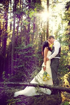 I want to get married in the woods so bad, I absolutely love this picture!
