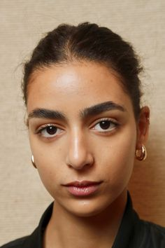 Noelani is of Middle Eastern Descent - Makeup Makeup Looks, Face Makeup, Bushy Eyebrows, Model Face, Light Skin, The Middle, Face Claims, Woman Face, Dark Hair