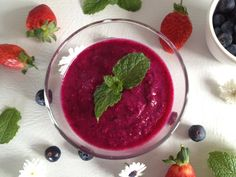Beetroot and Berry Smoothie Beetroot, Smoothie, Blueberry, Berries, Stuffed Peppers, Fruit, Healthy, Blog, Recipes