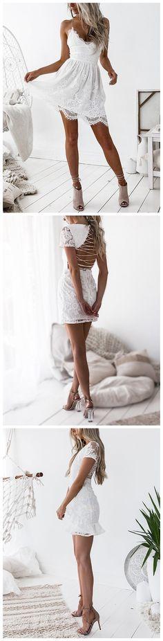 White Lace Details Round Neck Sleeveless Dresses