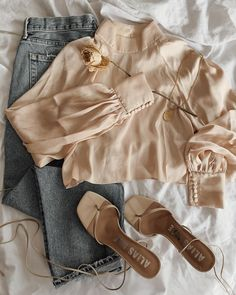 Stylish Work Outfits, Basic Outfits, Cute Casual Outfits, Girls Fashion Clothes, Winter Fashion Outfits, Fall Outfits, Cute Skirt Outfits, Iranian Women Fashion, Clothing Photography