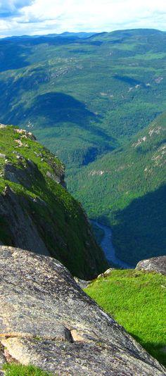 Parc des Hautes Gorges de la Riviere Malbaie: http://bbqboy.net/road-trip-to-tadoussac-the-saguenay-fjord-and-parc-des-hautes-gorges-de-la-riviere-malbaie/ #quebec #canada