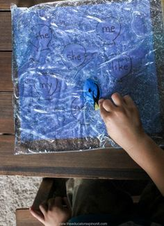 Learn to read sight words with this super cute finding Sight Words with Dory Sensory Bag