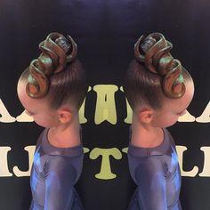 """23 Likes, 1 Comments - Анастасия Краснослободцева (@anastasiakrasnoslobodtseva) on Instagram: """"Прическа выполнена мной @anastasiakrasnoslobodtseva в имидж студии @nikastyle_…"""""""