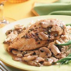 Chicken Continental for Four Recipe -Mushroom lovers rejoice! This moist chicken perfectly combines garlic and mushrooms into a flavorful entree. Moist Chicken, Baked Chicken, Garlic Chicken, Crockpot Recipes, Vegan Recipes, Cooking Recipes, Yummy Recipes, Diabetic Recipes, Chicken Recipes Continental