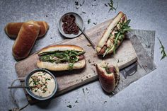 Domáce Hot dog rožky - Nelkafood s láskou ku kvásku Hot Dog Buns, Hot Dogs, Cheesesteak, Bread, Ethnic Recipes, Food, Basket, Brot, Essen