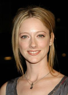 American actress Judy Greer attending an event supporting The Los Angeles Fund for Public Education in She is most famous for performance as Kitty Sanchez in the series Arrested Development. Jurassic World, Big Bang Theory, Hollywood, Cute Faces, Guys And Girls, Beautiful Actresses, American Actress, Movie Stars, Disneyland