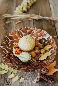 Indiferent de sezon un bol decorartiv din sticlă pentru fructe, decorațiuni sau mici gustări este bine-venit!  #bol decorativ #bol sticla