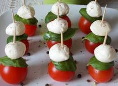 Caprese Salad, A Food, Sushi, Picnic, Salads, Low Carb, Ethnic Recipes, Party, Drink