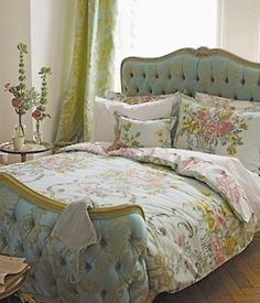 Pretty Bed....French provincial ...