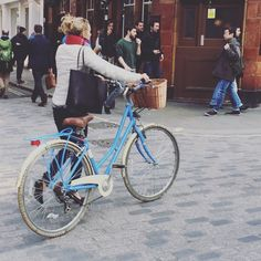 It's all about blue apparently... #trend forecasting #soho #London #bikelife #GOSTYLEDOSE Your daily dose of London cycle street style by Jacqui Ma #cyclestyle #cyclechic #bikestyle #cyclestyle #eastlondon #hackney #whyibike #singlespeed #spaceforcycling #instabike #bicycles #fixie #bikeinthecity #bikepretty #mycommute #cyclist #wellplacedbike #streetstyle #baaw