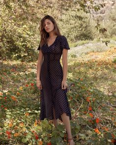 Shop the Christy Dawn dress collection for timeless, handmade vintage inspired clothing to look great on any occasion, while supporting sustainable fabric sourcing practices. Modest Dresses, Cute Dresses, Casual Dresses, Summer Dresses, Bridal Dresses, Vintage Outfits, Vintage Dresses, Vintage Fashion, Daisy Dress