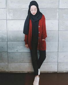 Casual Hijab Outfit, Ootd Hijab, Hijab Chic, Street Hijab Fashion, Fashion Outfits, Women's Fashion, How To Wear Hijab, Dubai Fashion, Ulzzang