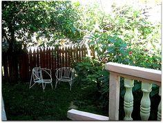 Terraza al patio interior. Vinales, Patio Interior, Outdoor Furniture, Outdoor Decor, Home Decor, Terrace, Fences, Interiors, Decoration Home