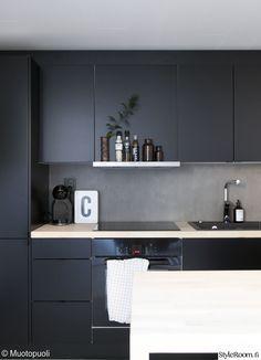 Home Interior Loft Modern Kitchen Interiors, Modern Kitchen Cabinets, Big Kitchen, Kitchen Cabinet Design, Kitchen Layout, Home Decor Kitchen, Black Kitchens, Home Kitchens, Home Interior Design