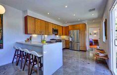 Get Your Architecture fix.A Rad Mid-Century Modern in Silver Lake! Modern Kitchen Design, Modern Kitchens, Kitchen Designs, Ranch Kitchen, Mid Century Modern Kitchen, Silver Lake, Updated Kitchen, Luxury Homes, Kitchen Dining