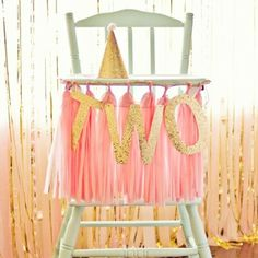 """Pin-popular pick! This photo posted by @catchmyparty has been all over Pinterest. We can totally see why. This special two-year-old definitely celebrated…"""