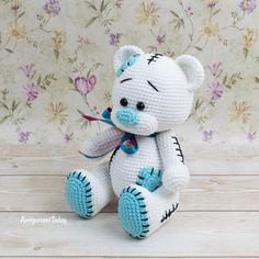 Patrón amigurumi Teddy Bear gratis diseñado por Amigurumi Today Teddy Bear Patterns Free, Teddy Bear Sewing Pattern, Crochet Amigurumi Free Patterns, Crochet Animal Patterns, Doll Patterns, Amigurumi Doll Pattern, Amigurumi Toys, Blog Art, Crochet Bunny